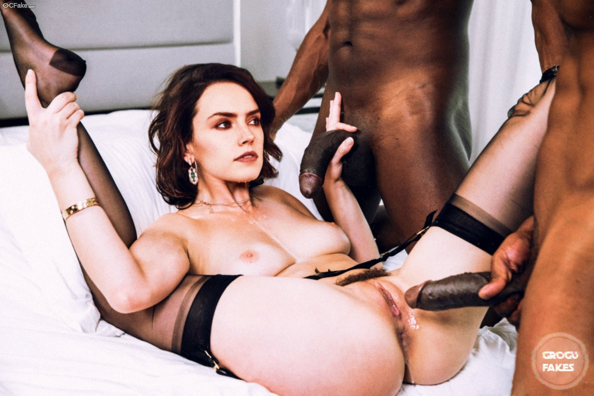 Nude Daisy Ridley GangBanged picture